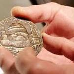 Forman parte de la muestra piezas desde el siglo XVII hasta la actualidad